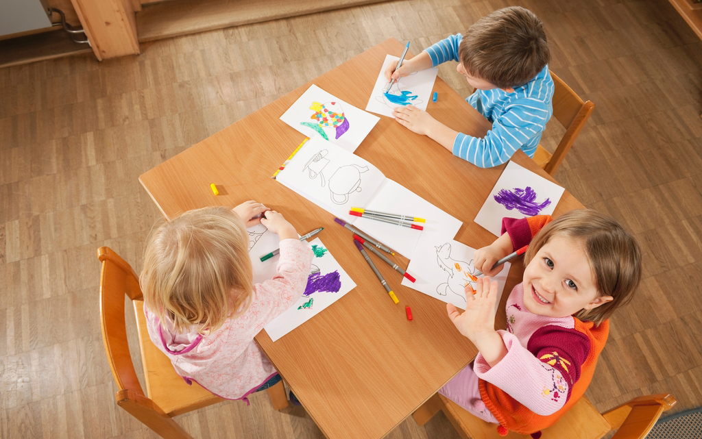 enfants-peinture-creation