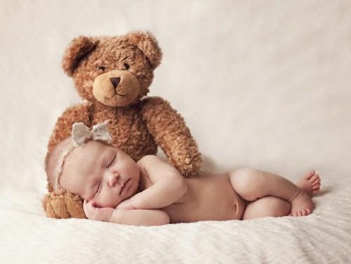 bebe-ours-en-peluche